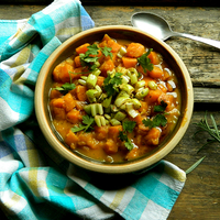 Currys édesburgonya-főzelék rozmaringos zellerrel
