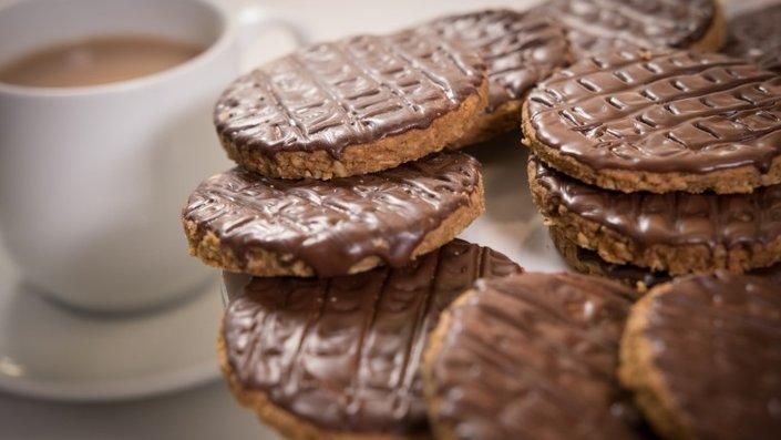 chocolate-digestive-biscuits.jpeg