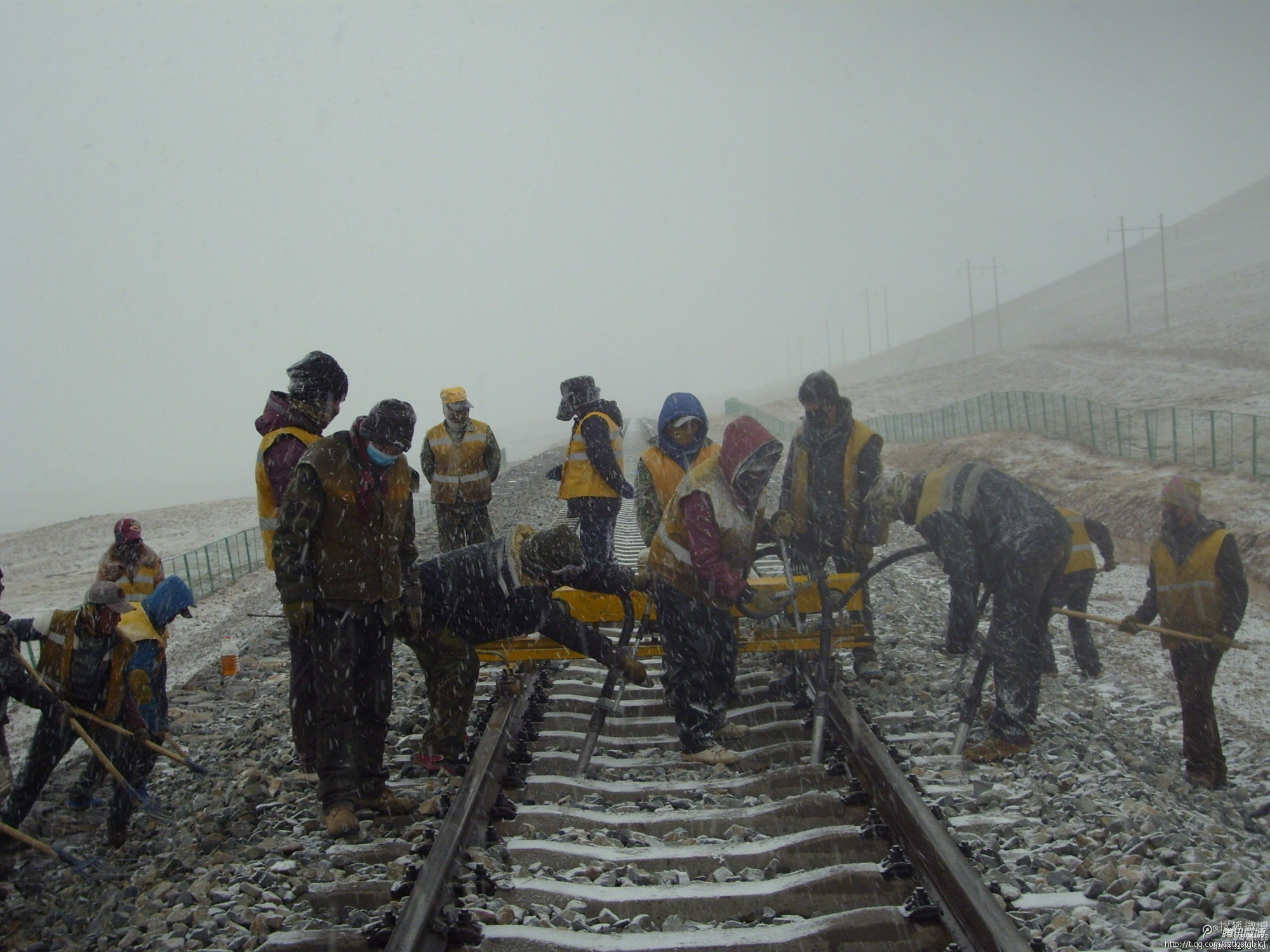 lhasa-nyingchi-railway-starts-construction-in-2014.jpg