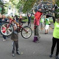Használható kerékpársávokért tekert a szegedi Critical Mass – képek, videók, frissül