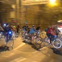 800 bringás a szegedi Kritikus Tömegen