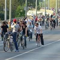 Közel 800 fő a szegedi biciklis felvonuláson