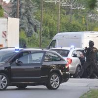 Embercsempészeken ütött rajta a TEK Sándorfalván, videón az elfogás