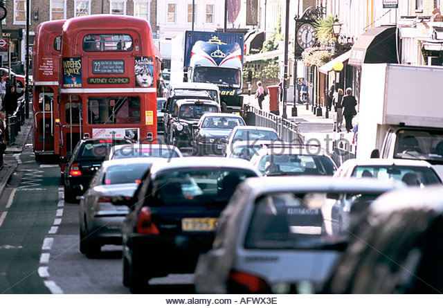 traffic-congestion-in-central-london-afwx3e.jpg
