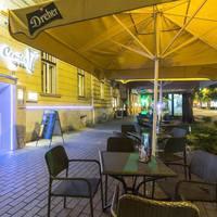 Center Cafe & Bar