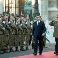 Az alaptörvény újabb módosítása: Minden hatalmat Orbán Viktornak?