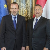 Weber megmentheti, de akár el is süllyesztheti Orbánt