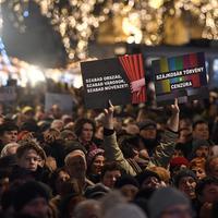 Kultúrharc újratöltve: Mi a valódi célja a Fidesz nyomulásának?
