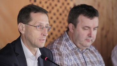 A Fidesz vezetői úgy tesznek, mintha az ország problémáit nem ők idézték volna elő