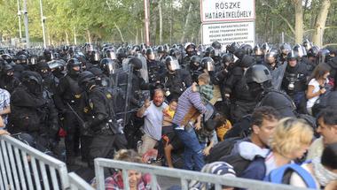 Lépre csalta-e a migránsokat Röszkénél Orbán Viktor?