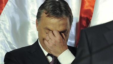 Egyre magányosabban vívja harcát Orbán Viktor a világpolitika színpadán