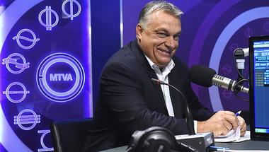 Dezinformációkból épít nekünk alternatív valóságot az Orbán-kormány