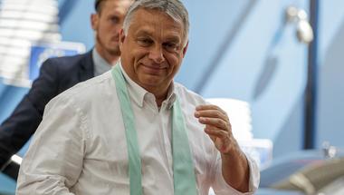Orbán a libernyákok világuralmát vizionálja, pedig a járvánnyal kéne foglalkoznia
