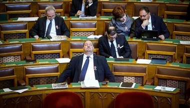 A magyar kormány nyíltan értelmiségellenes politikát hirdetett meg