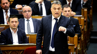 Minél nagyobb a nyomás Orbán Viktoron, annál inkább durvul a Fidesz kommunikációja