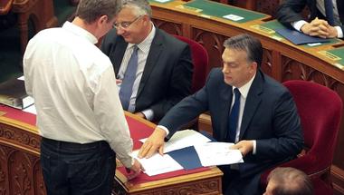 Öt lehetséges oka annak, Orbán miért ekézi újra Gyurcsányt