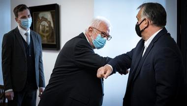 Orbán abban bízik, hogy mostantól az orvosok felelőssége a járvány elleni harc sikeressége