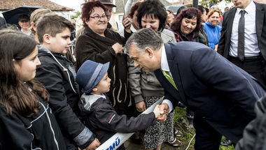 Friss és ütős kampánytémát keres a Fidesz, de egyelőre csak trükközik
