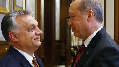 Orbán Viktor kezdi érinthetetlennek tartani magát