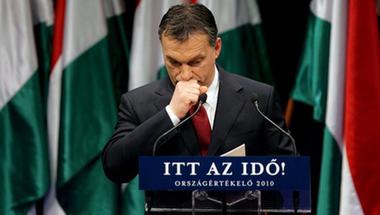 Harmadik Orbán-kormány: lassított köldöknézés
