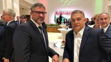Egy fotó, amely Simonkának fontos volt, Orbánnak viszont nagyon nem hiányzott