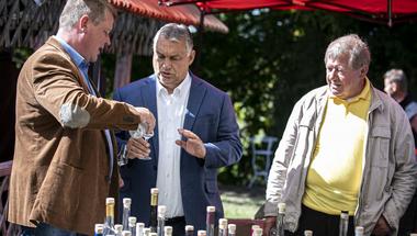 Tényleg a nép egyszerű fia Orbán Viktor?