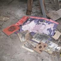 Hihetetlen relikviákat találtak egy elhagyatott laktanyában