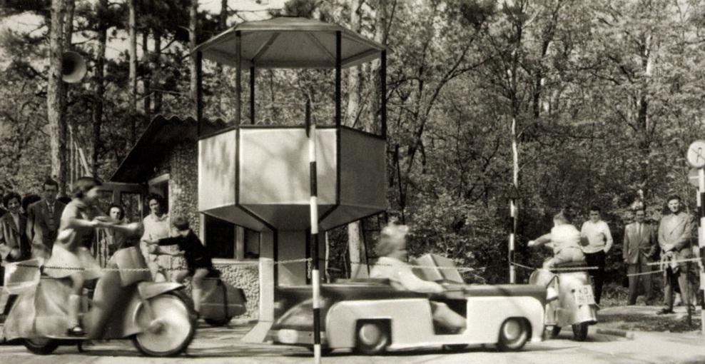 1962_3.jpg