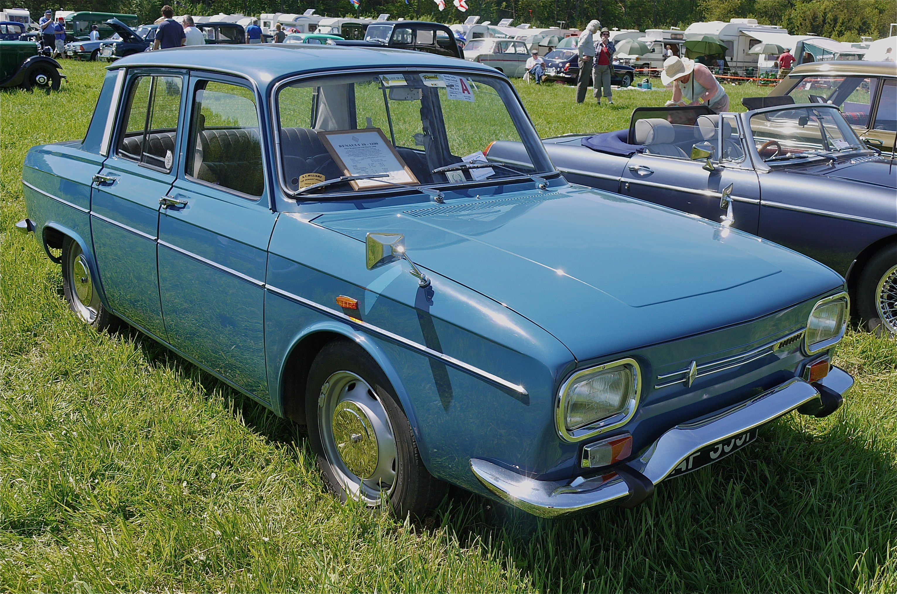 renault_10_1100_flickr_mick_lumix.jpg