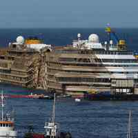 A zátonyra futott Costa Concordia belülről