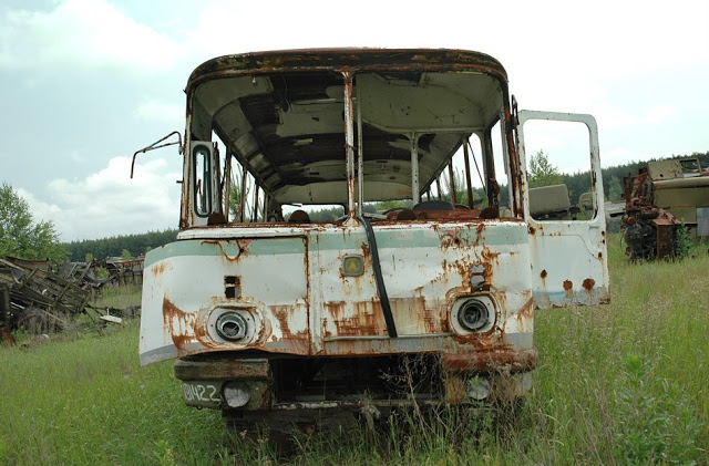 048_chernobyl_vehicle_graveyard_18.jpg