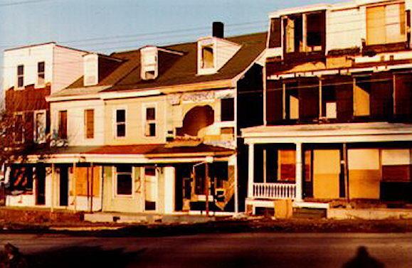 139-Locust-Ave-129-Locust-Ave-1982.jpg