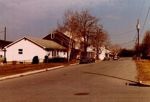 West-Main-Street-looking-east-from-Troutwine-St-1985.jpg