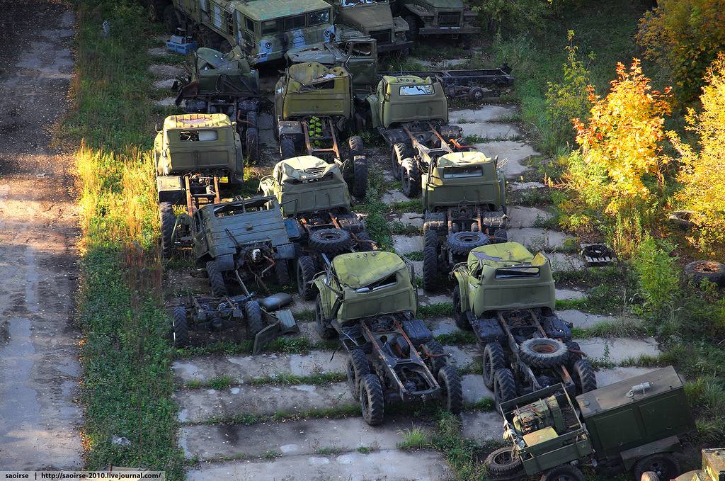 abandoned-base-soviet-military-equipment-15.jpg