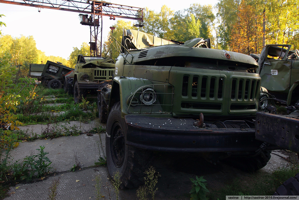 abandoned-base-soviet-military-equipment-16.jpg