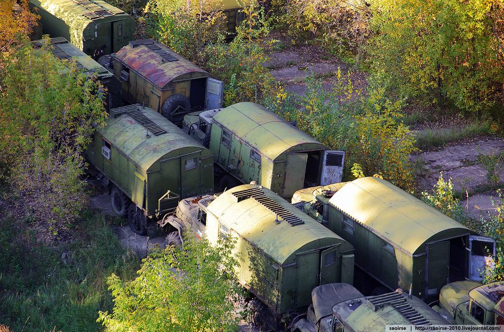abandoned-base-soviet-military-equipment-18.jpg