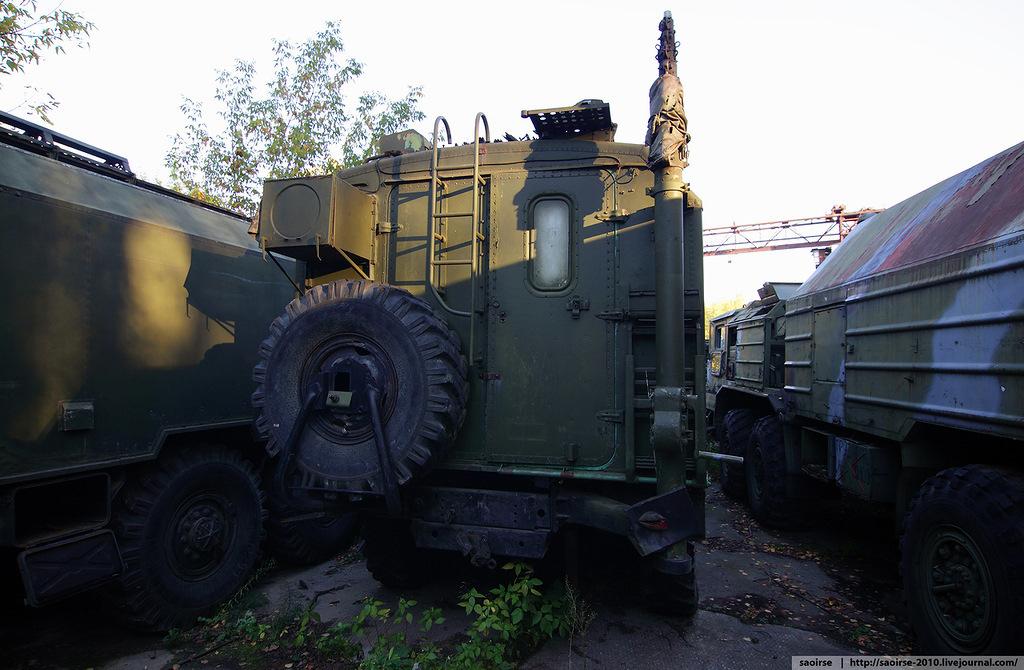 abandoned-base-soviet-military-equipment-19.jpg