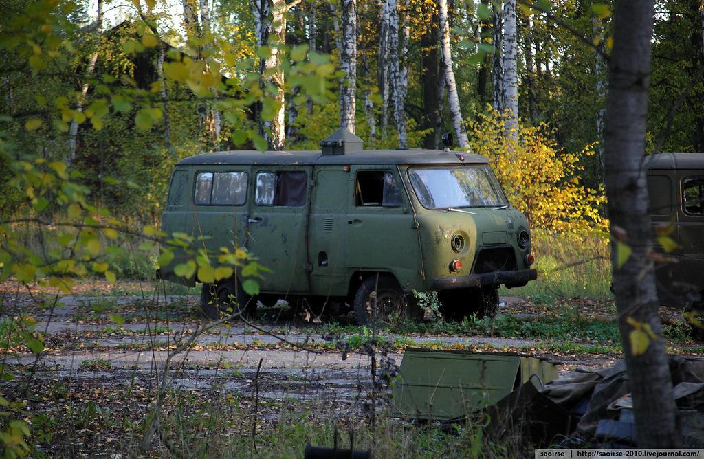 abandoned-base-soviet-military-equipment-23.jpg