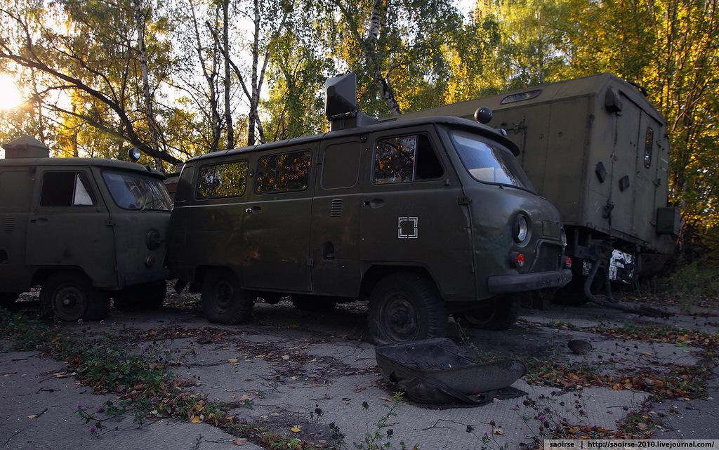 abandoned-base-soviet-military-equipment-24.jpg