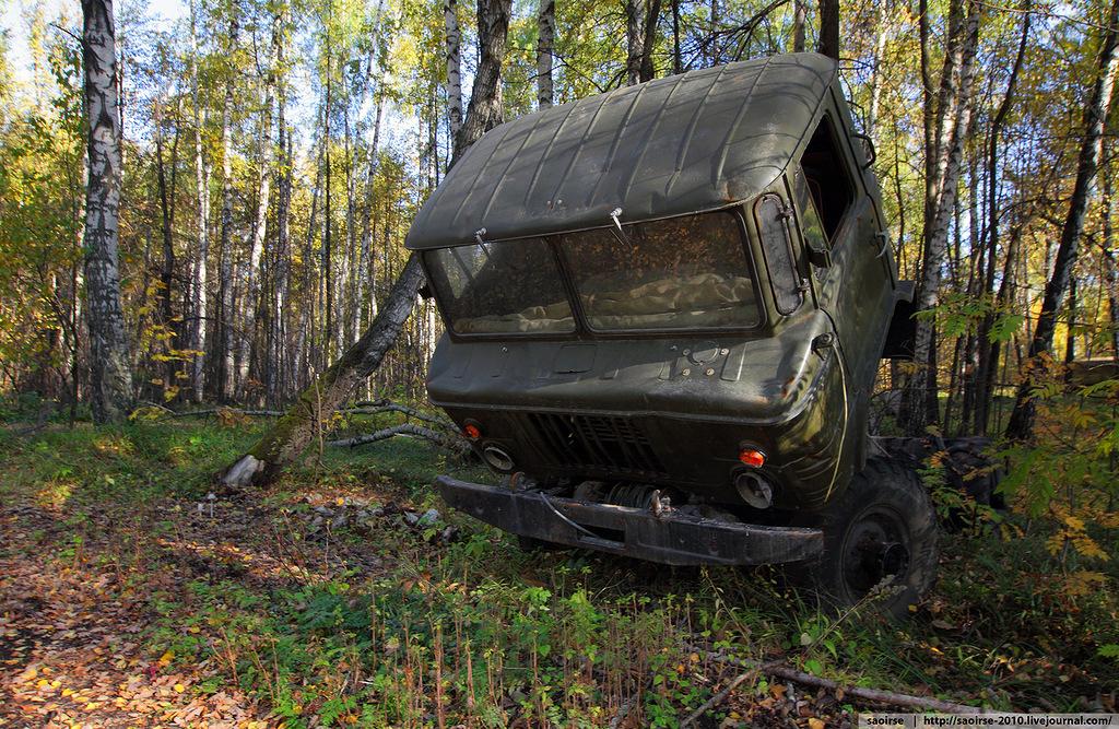 abandoned-base-soviet-military-equipment-3.jpg