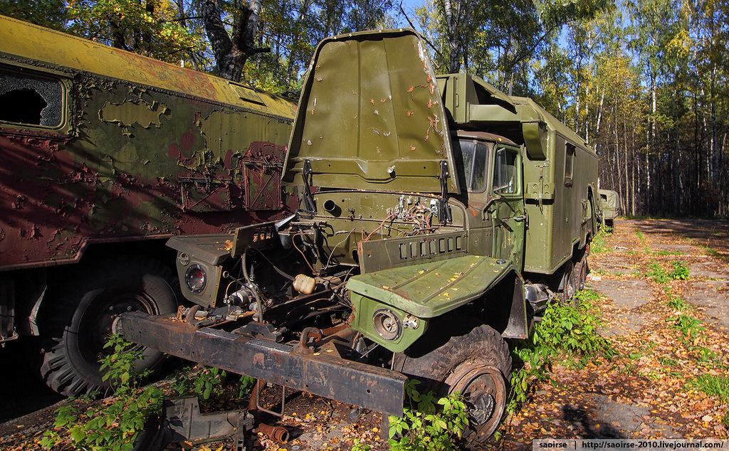abandoned-base-soviet-military-equipment-4.jpg
