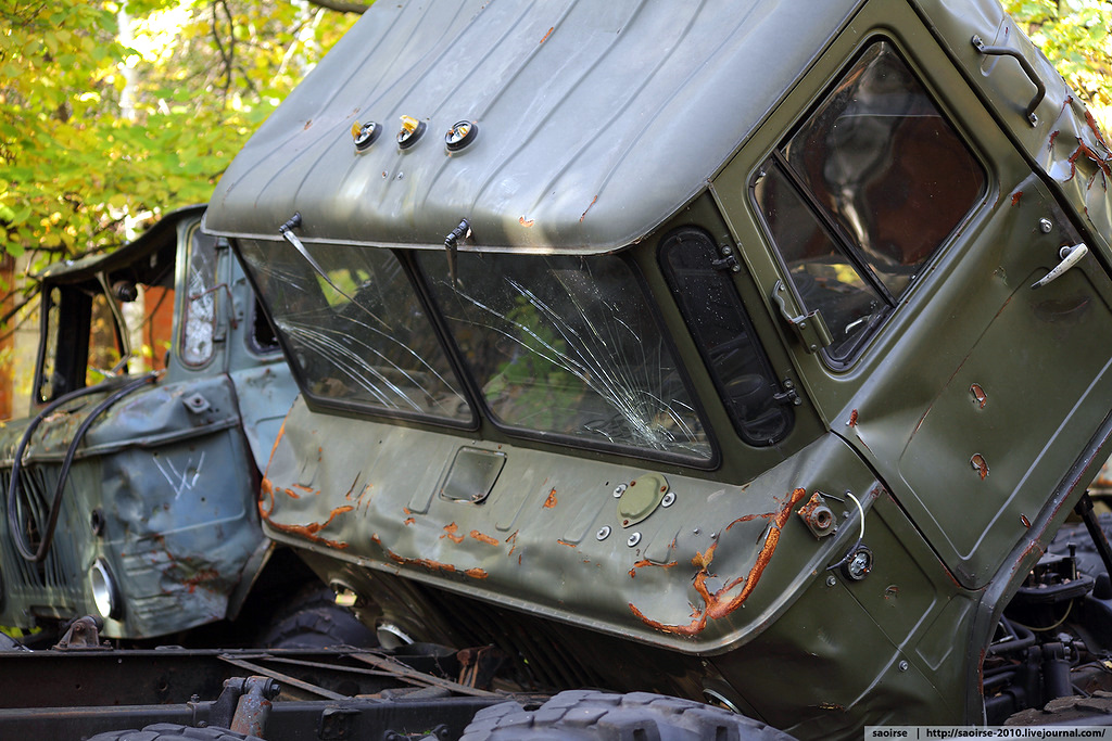 abandoned-base-soviet-military-equipment-6.jpg