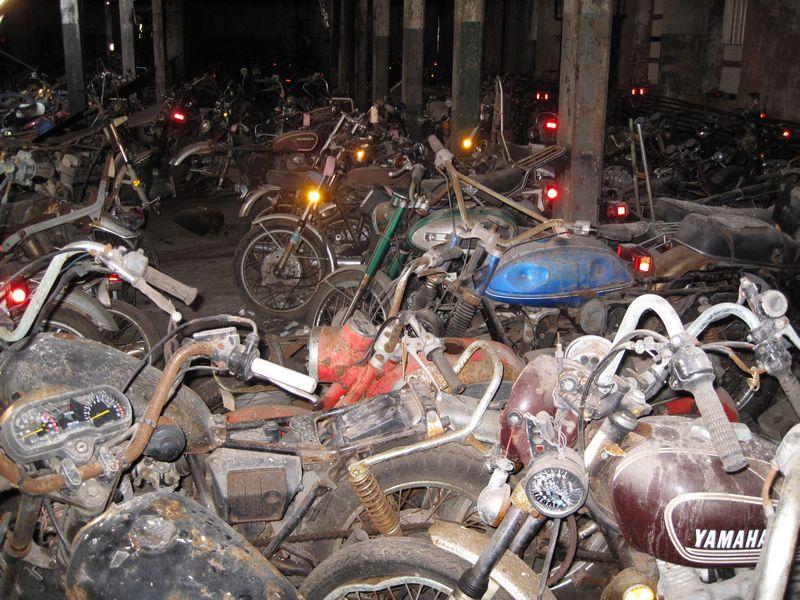 motorcyclegraveyard14.jpg