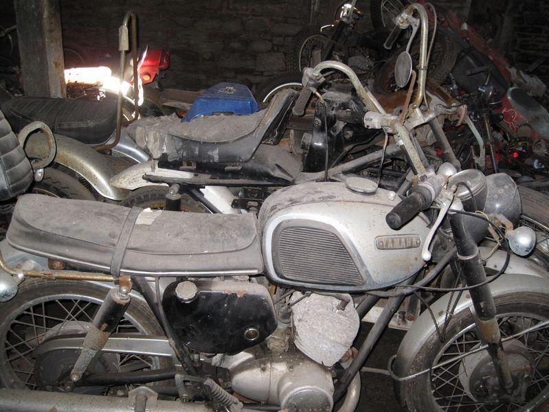 motorcyclegraveyard7.jpg