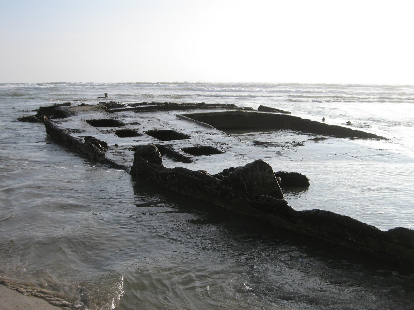 ss_monte_carlo_shipwreck_2010-01-30.jpg