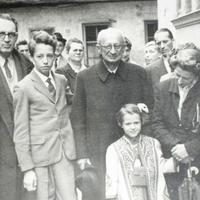 Nem tévedés: Bibó István tart előadást 1956-ról