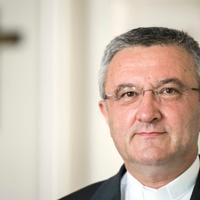 Megkongatta a vészharangot a püspöki kar elnöke
