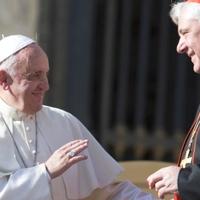 Leváltja helyettesét a pápa?