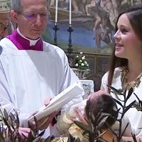 Szabad szoptatni a Sixtus-kápolnában