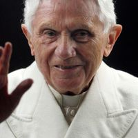 Hová tűnt XVI. Benedek?